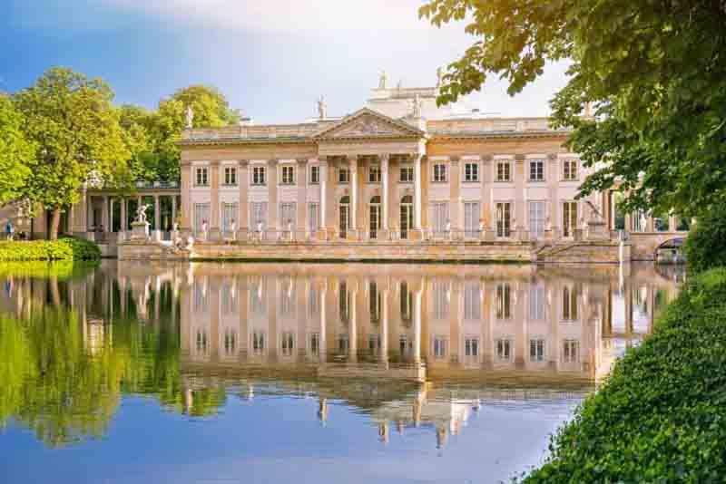 Lazienki-royal-palace-in-Warsaw