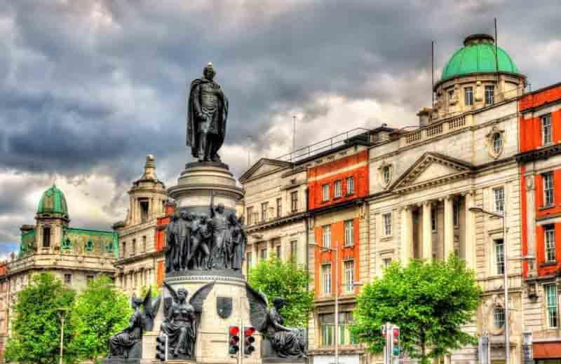Monument-of-Daniel-OConnell-in-Dublin