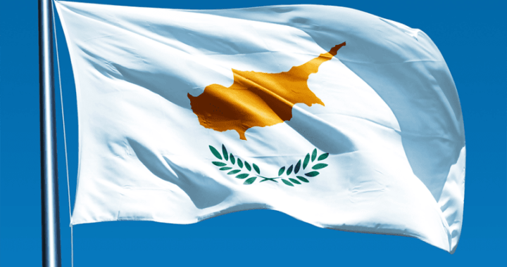 cyprusflagpicture3-800x500